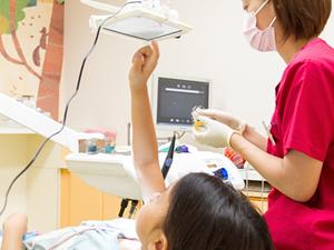 子ども向けの歯科診療支援ツール「スマイルタッチ デンタル」